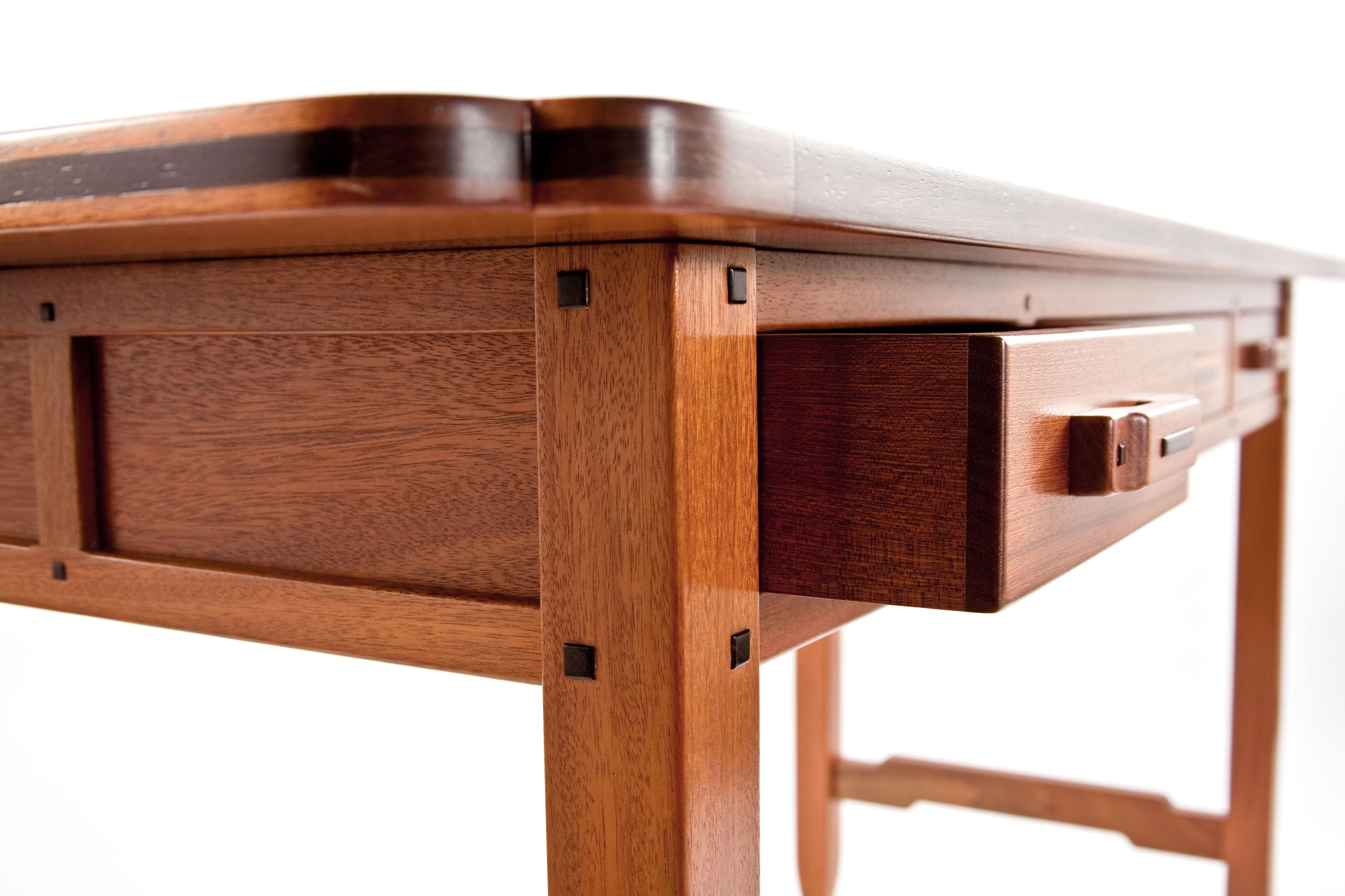 Brian brace greene greene desk for Greene and greene inspired furniture